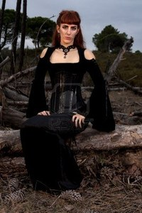 Tidbits_about_gothic_concepts_and_gothic_clothing